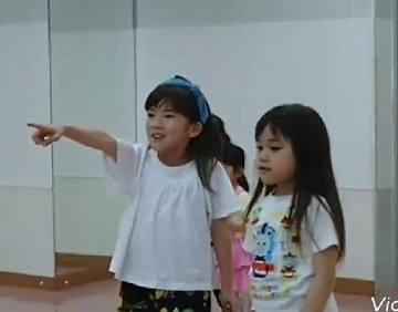 kids_stage003.jpg
