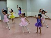 s-子供バレエ 10-9-2.jpg